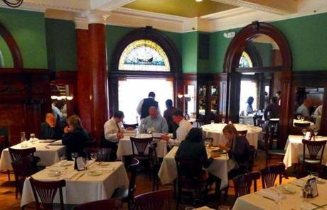 Union League Cafe in New Haven serves French brasserie fare.